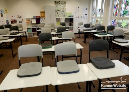 Leerer Klassenraum0221CV